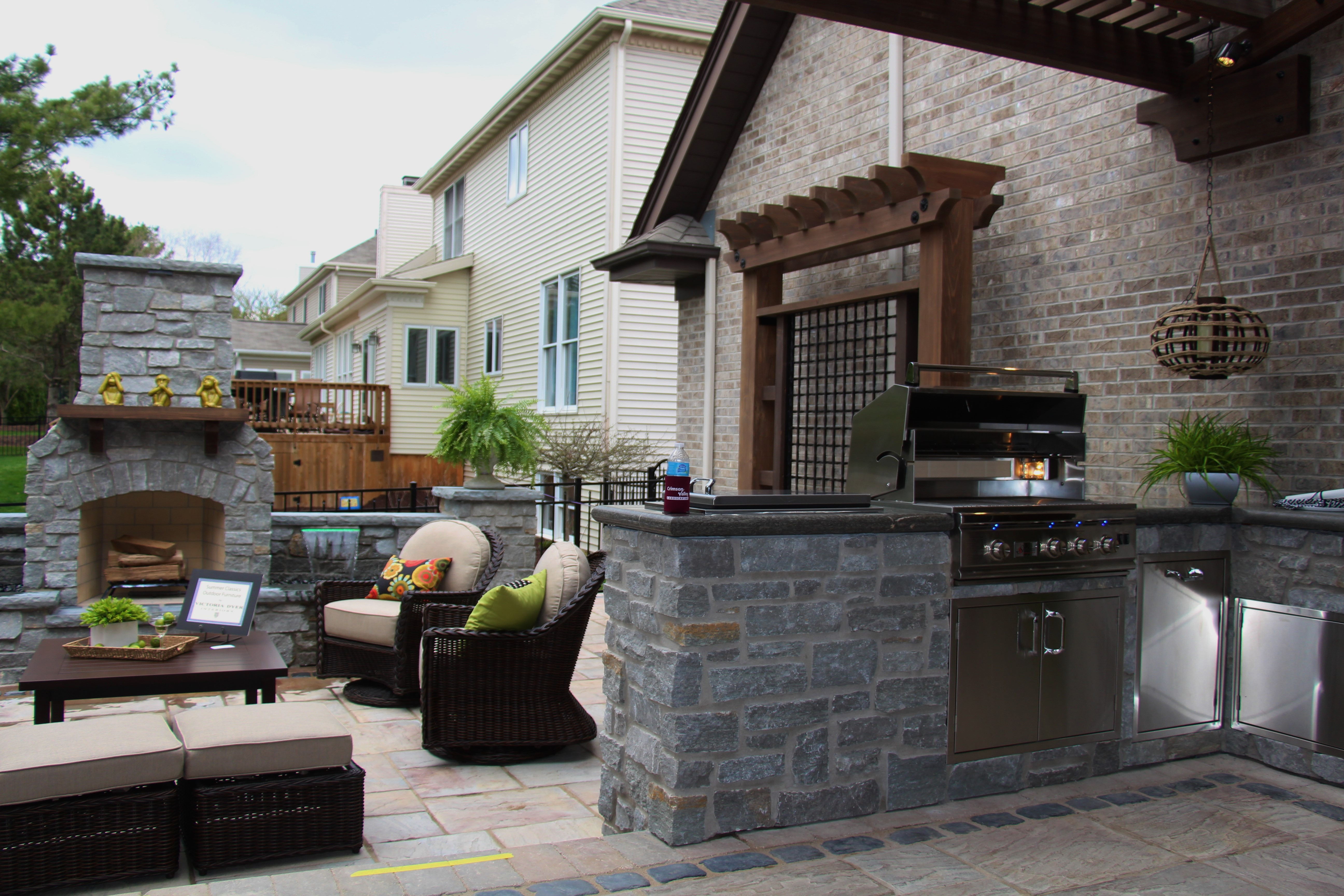 outdoor living construction